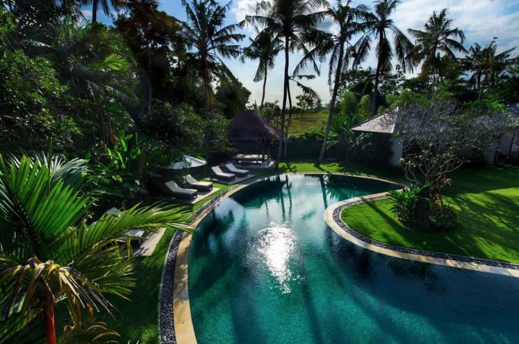 Bali_FC_pool