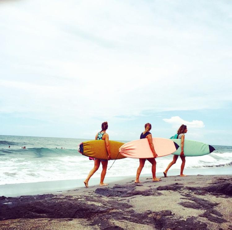 canggu_girlssurf