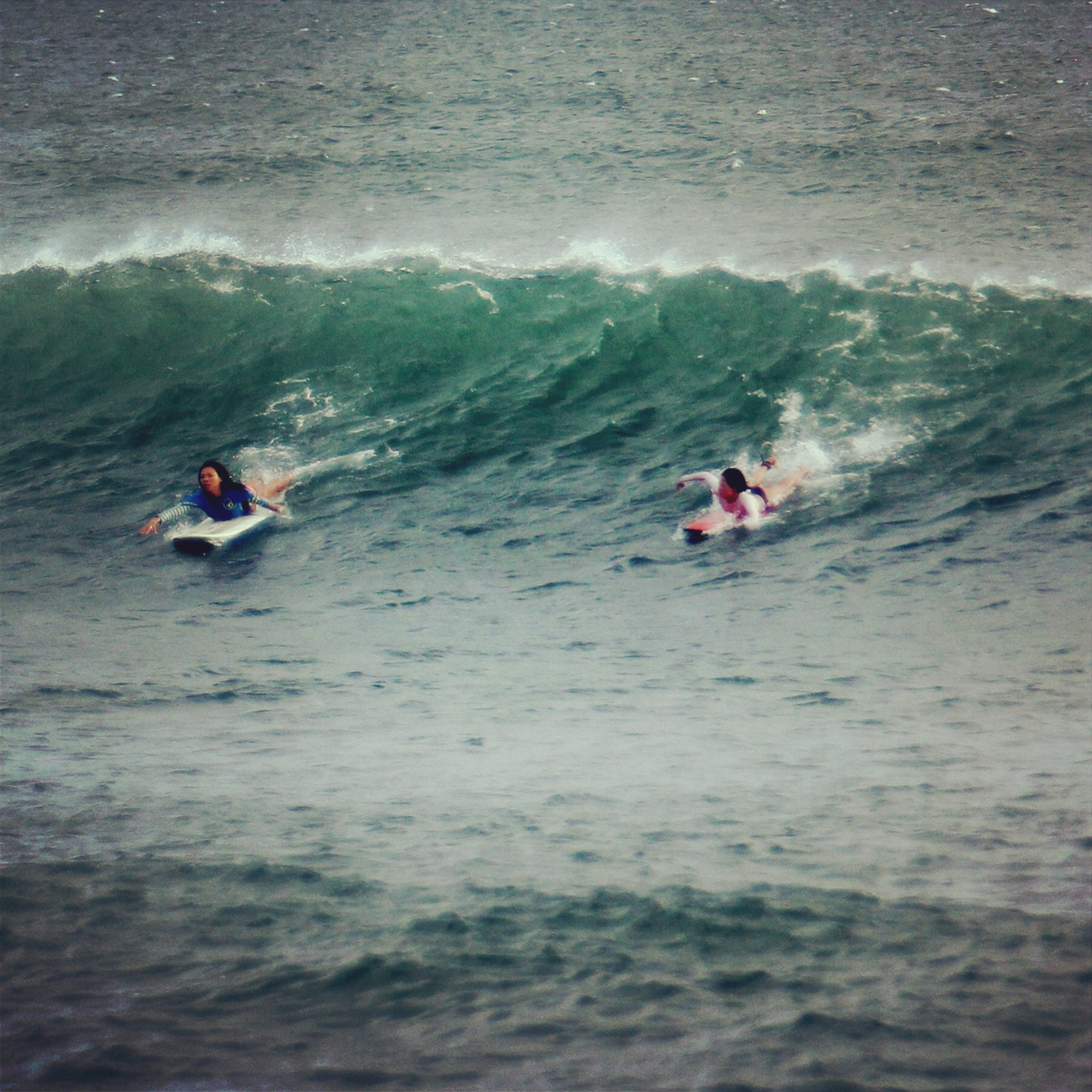 smm_girls paddling_1
