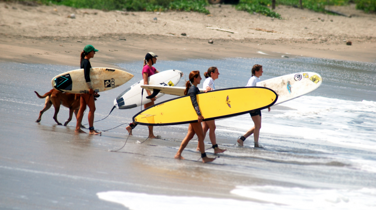 HOW TO: Find the Right Surf Instructor and Progress your surfing to the Next Level